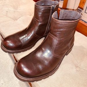Bostonian Leather Ankle Boot Made In Italy.